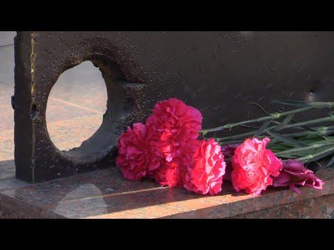 Військове телебачення України: Ранковий церемоніал вшанування загиблих українських героїв 9 квітня.