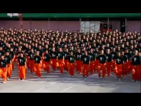 Penitenciarios  Bailan en Homenaje a Michael Jackson