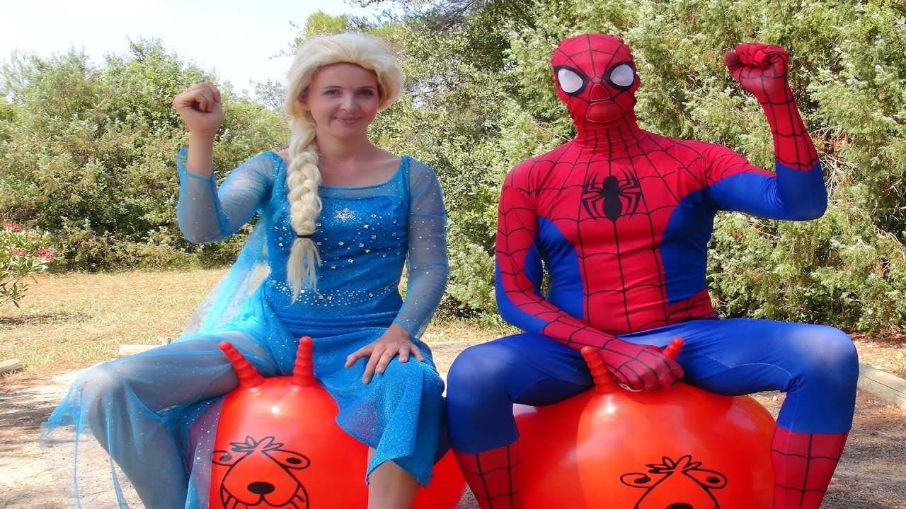 spiderman et la reine des neiges course avec ballons sauteurs s e youtube. Black Bedroom Furniture Sets. Home Design Ideas