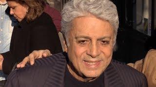 Baixar EXCLUSIVE : Enrico Macias super nice with fans at C a Vous tv show in Paris