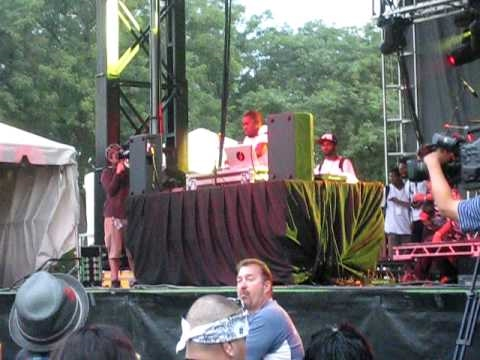Flying Lotus 'Camel / Sangria Spin Cycles' live @ North Coast Music Festival in Chicago (9/5/10)