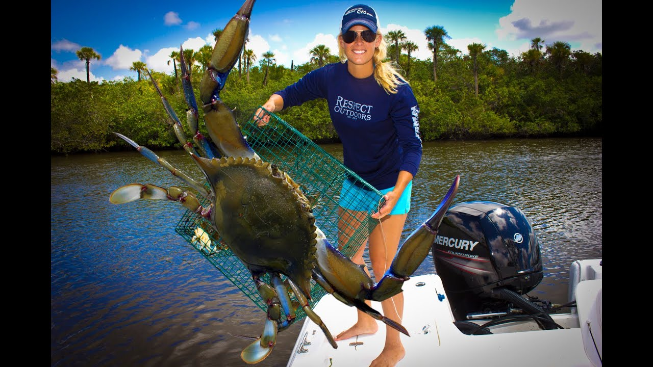 CRABS!!! CATCHING, CLEANING, EATING!!! DMFD!!! Tasty Tuesday - YouTube