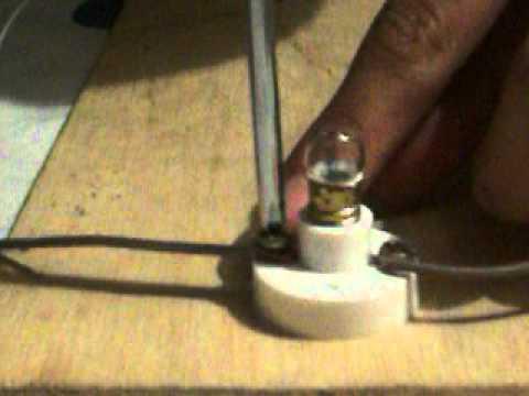 Circuito Electrico Simple Como Hacerlo : Circuito elÉctrico sencillo youtube