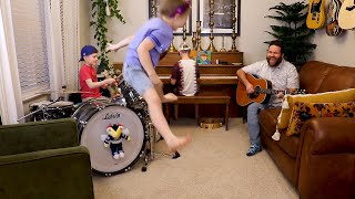 "Colt Clark and the Quarantine Kids play ""Good Day Sunshine"""