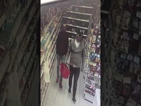 Двух мужчин, подозреваемых в краже, разыскивают в Великих Луках