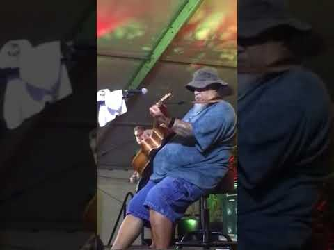 Willie K sings Opera at Maui Fair got to listen