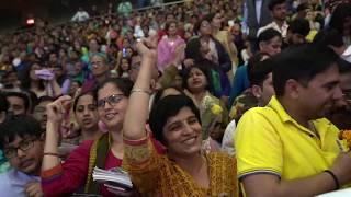 Grand Satsang Over 10,000 people - SRI SRI RAVISHANKAR JI | ANKIT BATRA | THYAGRAJ STADIUM NEW DELHI