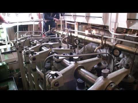 2011 Ze doen het weer !! (revised):  Opstarten Hoofdmotoren msb ELBE