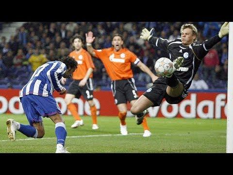Manuel Neuer vs Porto. Throwback to his Schalke days