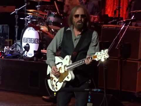 Tom Petty And The Heartbreakers - Refugee - TD Garden, Boston 7-21-2017