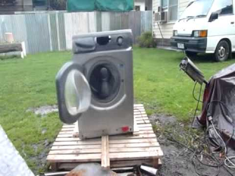 self destructing washing machine mashup doovi. Black Bedroom Furniture Sets. Home Design Ideas
