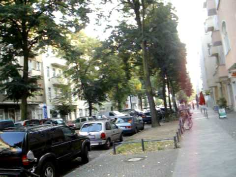 Kreuzungskneipenkiez In Berlin-Friedrichshain - 02