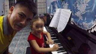 Ngày Đầu Tiên  Học Đàn  Piano Của Bảo Ngọc