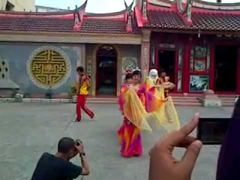 Lotus Dancer Tebing Tinggi - Moon Dance