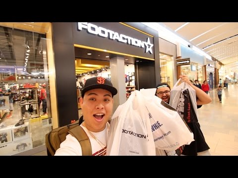 SNEAKER SHOPPING IN SAN ANTONIO!!! (THEY STILL HAD PAIRS)