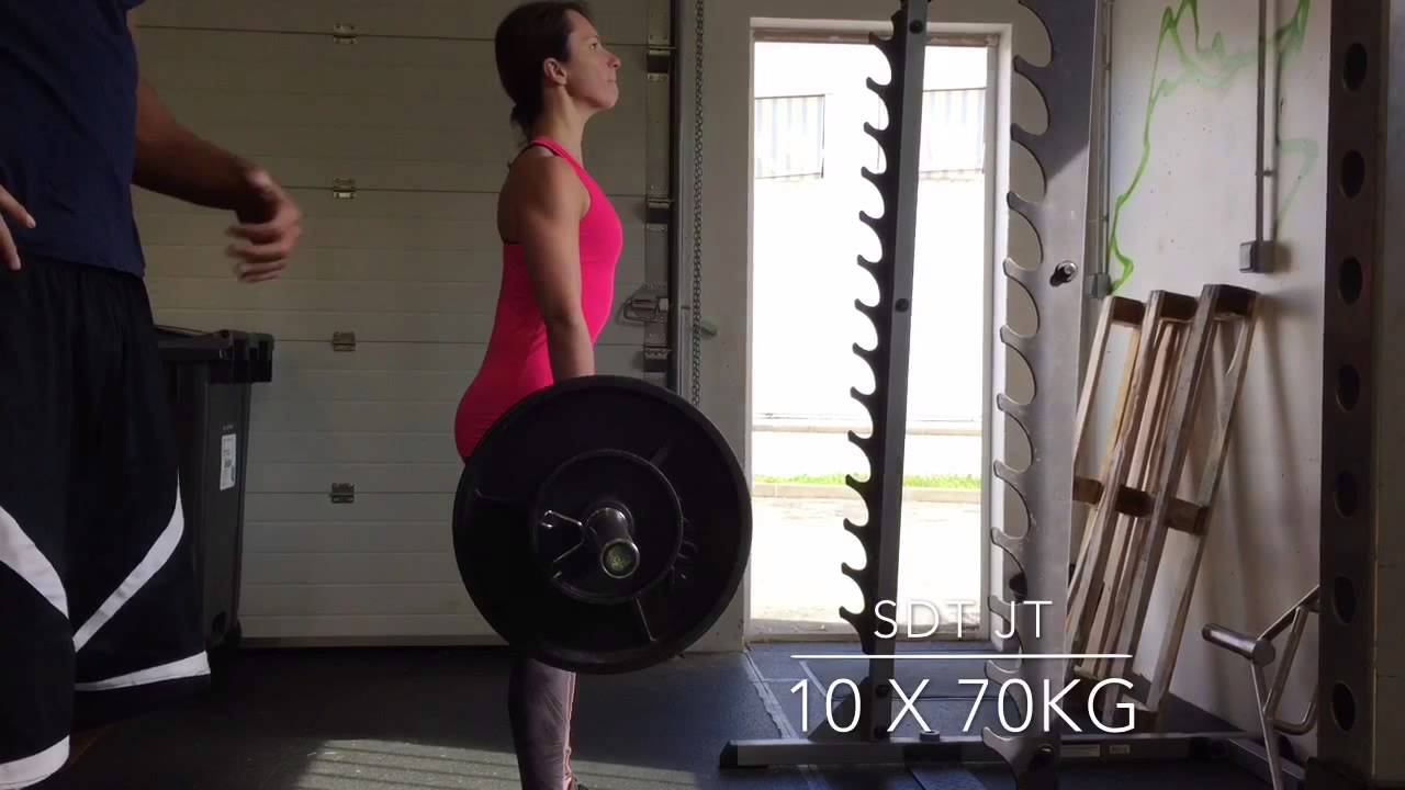 Soulevé de terre jambe tendues - Aurore 13x70kg - YouTube