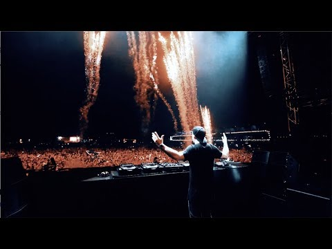 Hardwell & Suyano feat. Richie Loop - Light It Up (Official Music Video)