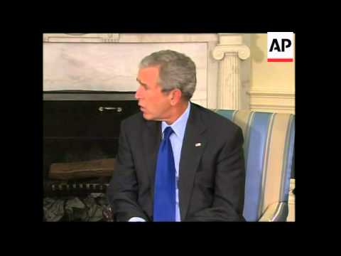 President Bush meets president of Dominican Republic