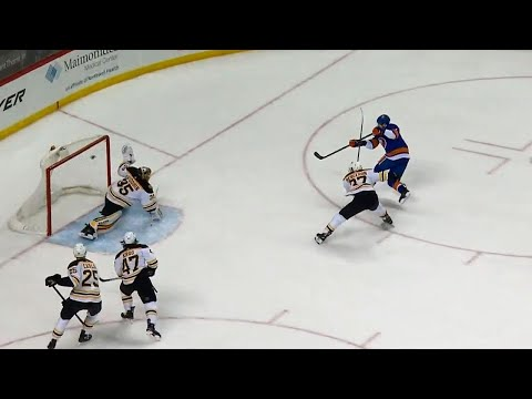 Islanders' Barzal forces turnover, sets up Eberle to open scoring