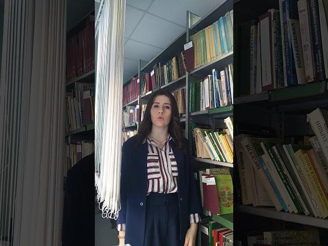 Изображение предпросмотра прочтения – СофьяБошман читает произведение «Она сидела наполу…» Ф.И.Тютчева