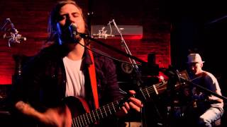 Sam Morrow // Barely Holding On // Seahorse Sessions