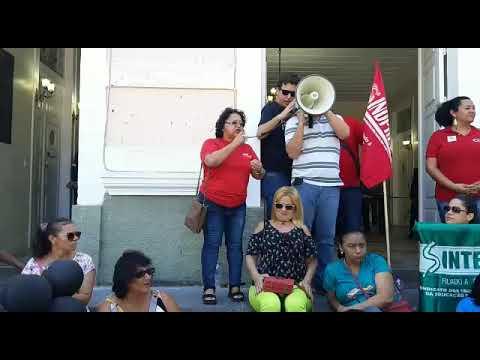 Diretora do SINDPREV-AL protesta contra reforma da Previdência de Renan Filho