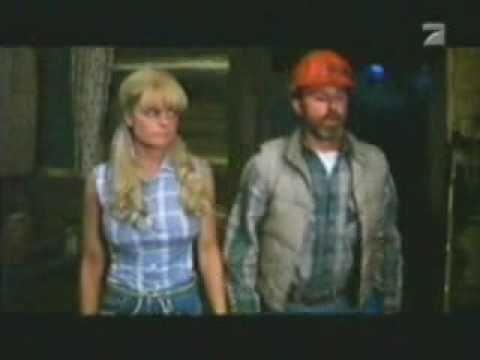 E.T.: The Extra-Terrestrial (2/10) Movie CLIP - Getting Drunk (1982) HDKaynak: YouTube · Süre: 2 dakika40 saniye