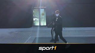 Moukoko kommt zu Fuß zum BVB-Trainingsauftakt | SPORT1 - DER TAG