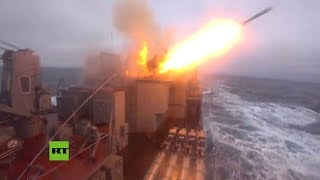 Misiles hipersónicos rusos Kinzhal repelen un 'ataque enemigo' en medio de una tormenta