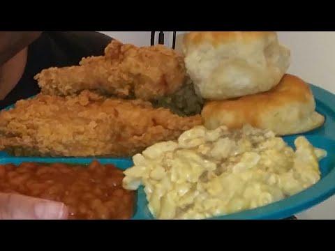 #150 Vlogmas Day 6 KFC Mukbang Lost Files| Watch Me Eat