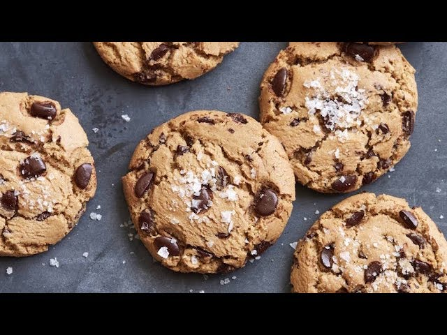 How to make chocolate chip cookies / Home cooking video show