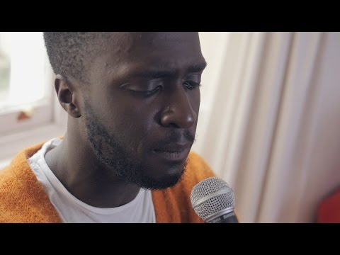 Kwabs performs 'Walk' | In The House