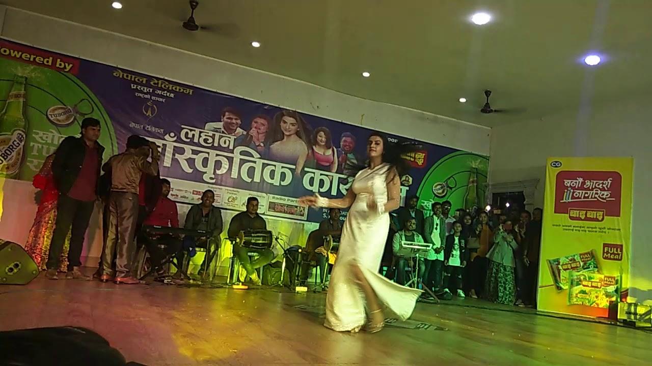 Akshra Singh Ka Nepal Ke Lahan Me Hot Dance - Youtube-1643