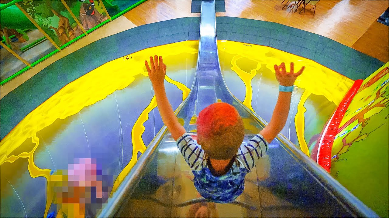 Indoor playground fun for family and kids at busfabriken for Best indoor playground for toddlers