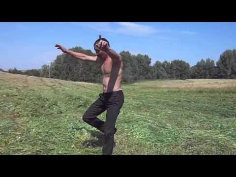 Танцор диско из Зианчуринского района на сенокосе