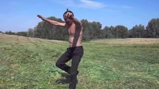 �������� ���� Танцор диско из Зианчуринского района на сенокосе ������