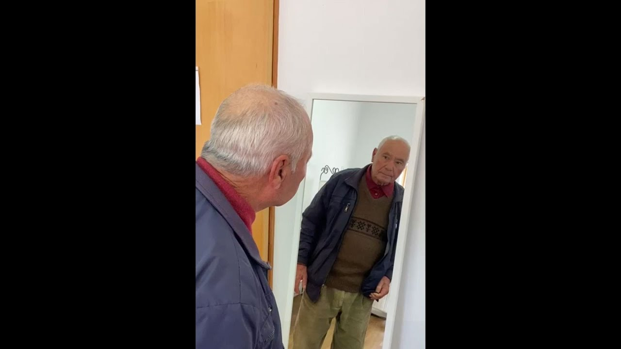 Inability to Recognize One's Own Reflection in Alzheimer Disease