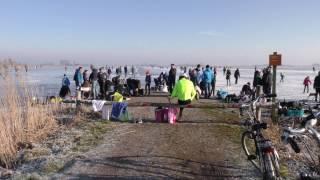 Blaugerzen schaatsen op natuurijs Friesland Akmarijp 22jan 2017 drone