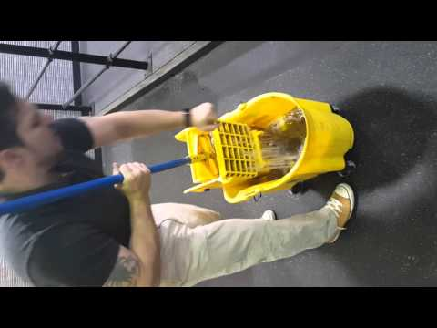Mopping a rubber floor correctly