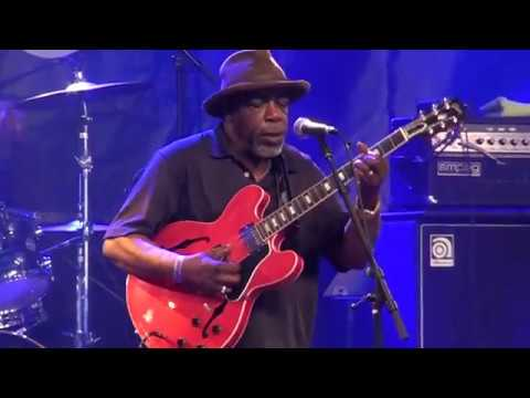 "Lurrie Bell & His Chicago Blues Band - ""Wine Headed Woman"" @ Moulin Blues 2017"