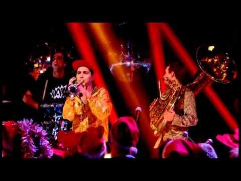 Sam and the Womp - Bom Bom (Live Christmas Top of the Pops)