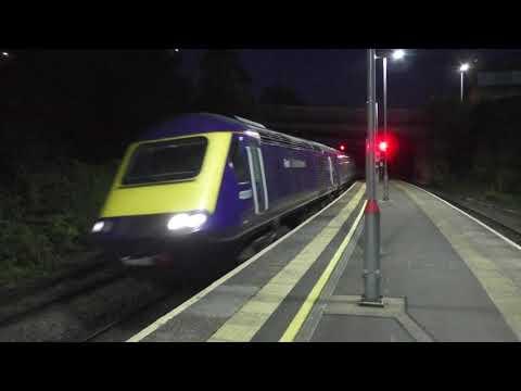 Nocturnal trains at Bridgend (class 66, class 800)