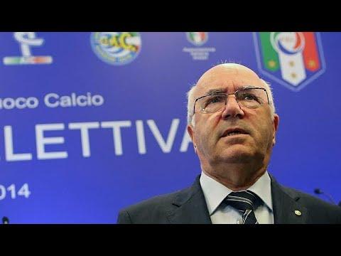 Tavecchio bate com a porta na Federação Italiana de Futebol