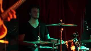 "Uther Moads ""Easy"" LIVE at The Water Rats 12/13"