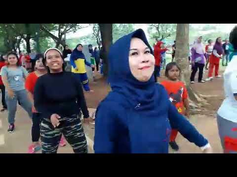VID 20171001 WA0025 Mamah Muda, Ayank Kamu Ayank Aku Juga, Senam OTSI