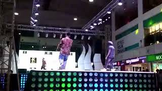 MAGICAL AND JESSU PERFORMING KARTE KALESH AT WORLD SQARE MALL GHAZIABAD   2019   latest show