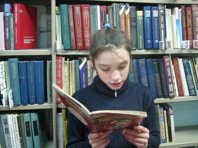 Изображение предпросмотра прочтения – ВарвараБашкова читает произведение «Ветхая избушка» А.А.Блока