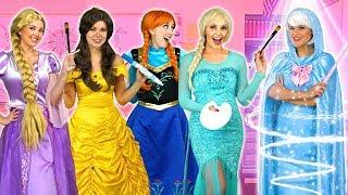 FAIRY GODMOTHER'S MAGIC ART CLASS. Elsa Anna, Rapunzel, Belle, Cinderella and Aurora live the art.