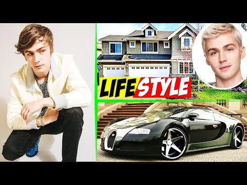 Miles Heizer Alex Standal in 13 Reasons Why Lifestyle  Gay Friend, Net Worth, Age, Biography