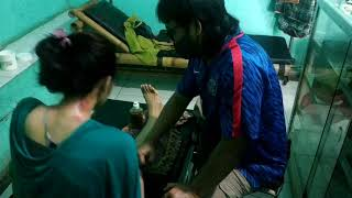 Pinggang miring sebelah karena syaraf kejepit Beberapa kasus yang di tangani di klinik kang abay ada.